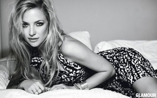 03-kate-hudson-black-and-white-dress-w724